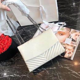 Luxury Chains Australia - 2019 famous brand designer fashion luxury ladies chain shoulder bags messenger bag women crossbody hot sale free shipping size:28x19cm