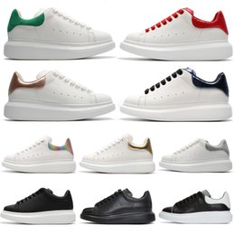 $enCountryForm.capitalKeyWord Australia - Best Newest Quality Reflective Black White Platform Casual Sports Skateboarding Shoes Mens Womens Rose Gold Red Suede Heelbalck Sneakers