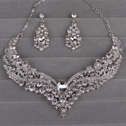 $enCountryForm.capitalKeyWord Australia - Hot sale European and American bride alloy diamond large crystal necklace earrings set ornament bride wedding accessories