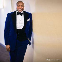 $enCountryForm.capitalKeyWord Australia - Plus Size Royal Blue Suits for Men Three Piece Suit Corduroy One Button for Groom Suit Peaked Lapel Wedding Tuxedos
