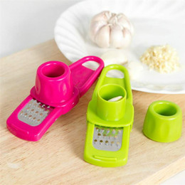 Wholesale TY Kitchen Tools Household Creative Multifunction Ginger Grinder Garlic Cut Garlic Press