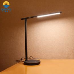 Ingrosso QIANYU Smart Foldable Eye Protection Lampada da tavolo a LED senza stroboscopica Dimmable Touch Table Lamp