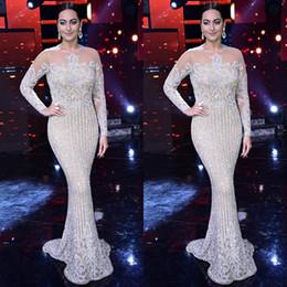 Großhandel Luxus-Langarm-Pailletten Meerjungfrau-Abschlussballkleider Sexy Sheer Juwel-Halsabend-Trage-Perlen Celebrity Prom-Kleider