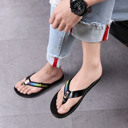 $enCountryForm.capitalKeyWord NZ - Fashion Outdoor Wear Men's Sandals And Slippers Soft Bottom Shoes Casual Wild Japan And South Korea Tide Summer New Flip Flops Size 38-44