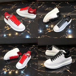 hot dress street Australia - 2019 Trendy Casual Shoes Paris Hot Sale Men Womens Fashion Designer Sneakers Street Footwear Dress Shoe Tennis Hot Selling t04