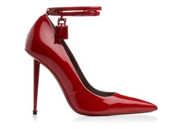 Media Keys Australia - Free Shipping 2019 wedding party Lady patent leather Metal Stiletto high heel Pillge pointed toes Tom Dress Shoes Metal Lock key red color 1