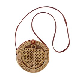 $enCountryForm.capitalKeyWord UK - Handwoven Handbag Heart-shaped Crossbody Shoulder Bag For Women Rattan Waterproof Weaving Shoulder Bag