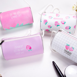 Japanese cartoon rabbits online shopping - Cheap Small fresh strawberry shoulder Messenger bag cute cute packet female Japanese Harajuku style single shoulder phone bag tide