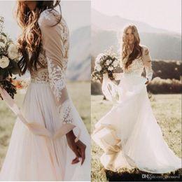 Großhandel Böhmischen Land Brautkleider mit schiere langen Ärmeln Bateau-Ausschnitt eine Linie Spitze Applique Chiffon Boho Brautkleider billig