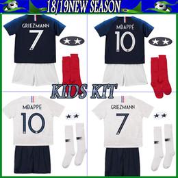 db14c2d9d Maillot de Foot enfant 2018 cheap football kids 2 stars two etoiles Equipe  de france uniform french kits Jerseys+pant+socks
