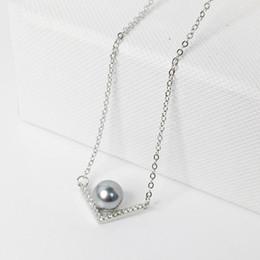 3a30f5d21d7b Venta al por mayor en forma de V blanco   gris perla con CZ colgante  collares 925 joyería de cadena de plata esterlina regalo para nueva multa  mujer niña