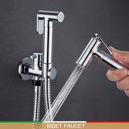 Toptan satış Krom duş seti tuvalet bide Pirinç duvar banyo musluk karıştırıcılar monte musluk el duşu Banyo bide duş musluk Bide