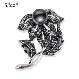 Vintage Flower Brooches Australia - Cute Flower gun Black Rhinestones Brooches & Pins Simulated Pearl Brooch For Women Vintage Scarf Clip Jewelry Accessories