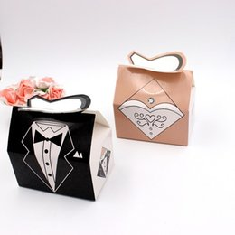 $enCountryForm.capitalKeyWord NZ - Paper Candy Box Bride Groom Dresses Packing Sweet Bag Wedding Favors Gift Boxes For Guest Party Decoration