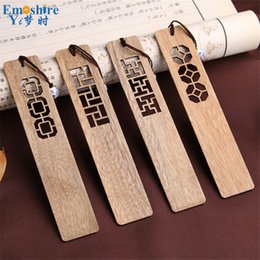 small bookmarks UK - High-grade Solid Wood Bookmarks Set Chinese Style Retro Vintage Book Marks Classical Hollow Wooden Bookmark Small Gift Set M004 Y19062803