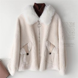 Discount winter fur outfits - Real Fur New Winter Coat Women Wool Coats Natural Sheep Shearing With Faux Suede Jacket Female Lamb Fur Outfit Manteau F