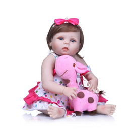 "Chinese  22"" Full Body Silicone Reborn Baby Girl Dolls Reborn Fake Reborn Babies Dolls For Children Gift Toys Real Bebe Alive Boneca manufacturers"