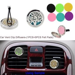 Cars Oils Australia - Aromatherapy Home Essential Oil Diffuser For Car Air Freshener Perfume Bottle Locket Clip with 50PCS Washable Felt Pads free shipping