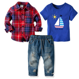 $enCountryForm.capitalKeyWord UK - 3 piece Suit for Baby Boy Short Sleeve T Shirt Long Sleeve Shirts and Ripped Jeans Baby Boy Clothes Sets 19071402