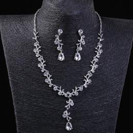 $enCountryForm.capitalKeyWord Australia - Wedding Party one set Jewelry Sets beaded flower leaf headwear of bride crown diamond headwear for bride acting initiation graduation RS-265