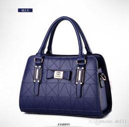 $enCountryForm.capitalKeyWord Australia - Fashion Love heart V Wave Pattern Satchel Designer Shoulder Bag Chain Handbag Luxury Crossbody Purse Lady Tote bags be in vogue usa