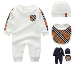 2018 moda nueva moda recién nacido niño bebé bebés mameluco mono de manga larga mono corto trajes de niño pequeño en venta