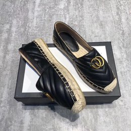 Half dragged sHoes online shopping - 2019 New G letter hemp rope flat fisherman single shoes leather toe stripe straw grass a pedal lazy half drag female leather fashion casual