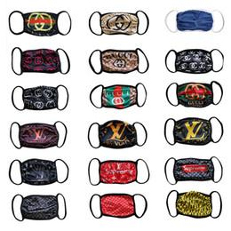 Großhandel 17Styles berühmten Großhandels Designer Letters Druck Männer Frauen Paare Leder Halbgesichtsmasken Paare im Freien Eine Größe Freies Verschiffen-Maske