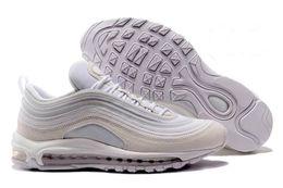 Совершенно новые мужчины с низкой подушкой дышащая повседневная обувь дешевый массаж кроссовки кроссовки человек спортивная обувь на открытом воздухе на Распродаже