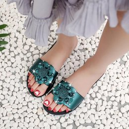hot casual sandals Australia - Summer Style Women Sandals Sweet Flower Women Shoes Female Hot Sale 2019 Flat Flip Flops Bohemian Sandals Casual Beach Slippers