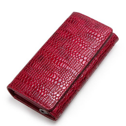 $enCountryForm.capitalKeyWord Australia - Designer Brand Woman Long Wallets Fashion Lady Real Leather Purse Alligator Pattern Fancy Lady Clutch Bags Red Color Large Capacity C2162