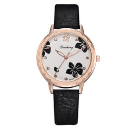 Orange Scale Australia - lady wrist watch Fashion Simple And Simple Leisure Flower Scale Leather With Strap Ladies Watch montre femme 2019 Wristwatches