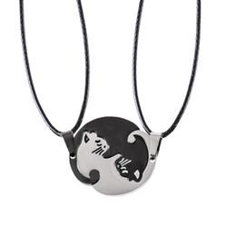 $enCountryForm.capitalKeyWord Australia - Couples Jewelry Necklaces Black White Couple Animal Cat Pendants Necklace Cat Hugs Round Spliced Pendant Lovers Necklace