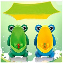 Chinese  Kids Urinal PP Frog Stand Vertical Urinal Pot Baby Wall-Mounted Urine Potty Boy Groove Urinal Bucket Wall-mounted Training Toilet Tool B5813 manufacturers