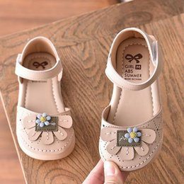 sandals designs for girls Australia - Girls Sneakers Summer Sandals Breathable Shoes for Girls Beach Shoes Princess Fashionable Floral Korean Design