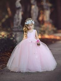 Toptan satış 2019 Yeni Tutu Balo Çiçek Kız Elbise Sapanlar Pembe Tül Prenses El Yapımı Çiçekler Uzun Doğum Günü Partisi Kıyafeti Sevimli Toddler Pageant Elbise
