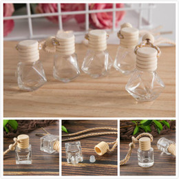 Wholesale Car perfume bottle car pendant perfume ornament air freshener for essential oils diffuser fragrance empty glass bottle