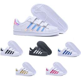 d077a1ef552b8 ... Superstar Enfants Chaussures De Skateboard bébé enfants chaussures  Superstars Baskets Originals Super Star filles garçons Sports Casual  Chaussures 24-35