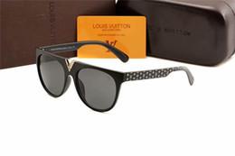 Discount designer sunglasses dark lenses - . 1pcs Fashion Round Sunglasses Eyewear Sun Glasses Designer Brand Black Metal Frame Dark 50mm Glass Lenses For Mens Wom