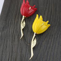 $enCountryForm.capitalKeyWord NZ - Fashion Women Tulip Flower Enamel Brooch Pin Lapel Collar Scarf Decor Jewelry Stylish Decor for Women Girls White Red