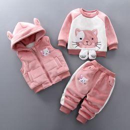 b177c724b Buena calidad 2019 nueva moda niños recién nacidos niñas ropa conjuntos  invierno niños con capucha chaleco + historieta de manga larga T-shirt +  pantalones ...