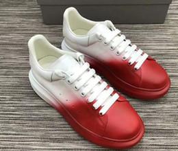 2019 outono novo pequeno branco sapatos femininos sponge cake calçados esportivos couro coreano espessura inferior selvagem 889612 venda por atacado