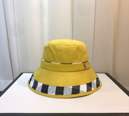 $enCountryForm.capitalKeyWord Australia - Fashion cap Foldable Fishing Caps polo Cloches cap Beach Sun Visor Sale Folding Man Bowler Cap For Mens Women Good quality