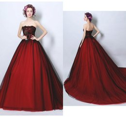 Natural blue discouNt beads online shopping - Sexy Black and Red Princess Wedding Dresses Bridal Gowns Strapless Tulle Applique Lace Court Train Discount Wedding Gowns New Cheap