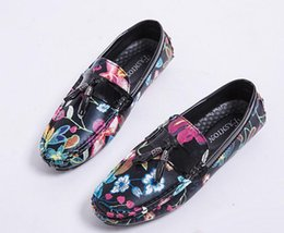 Disposable Shoe Slippers Australia - Men Loafers Tassel Flat Slippers Smoking Slip on Leather Wedding Men's Dress Shoes leather Casual shoes