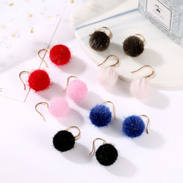 $enCountryForm.capitalKeyWord Australia - Cute Full Rabbit Fur Ball PomPom Drop Earrings For Women Soft Plush Pom Pom Statement Ear Dangle Jewelry Winter Trinket Brincos.