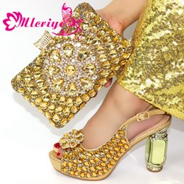green italian shoes NZ - New Arrival Italian Shoes with Matching Bags Set Decorated with Appliques Nigerian Women Wedding Shoes with Bag Set High Heels