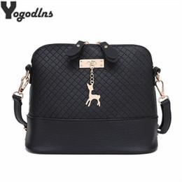 $enCountryForm.capitalKeyWord Canada - HOT SALE!2019 Women Messenger Bags Fashion Mini Bag With Deer Toy Shell Shape Bag Women Shoulder Bags handbag