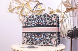 Wholesale Designer luxury women's handbag purse leather personality shoulder bag fashion designer bag large capacity, with box