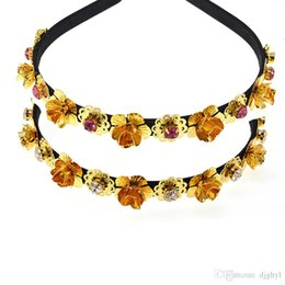 gold leaves Canada - Vintage Gold metal flowers Pearl leaves hair bands Baroque retro headband For Women royal hair accessory 2019